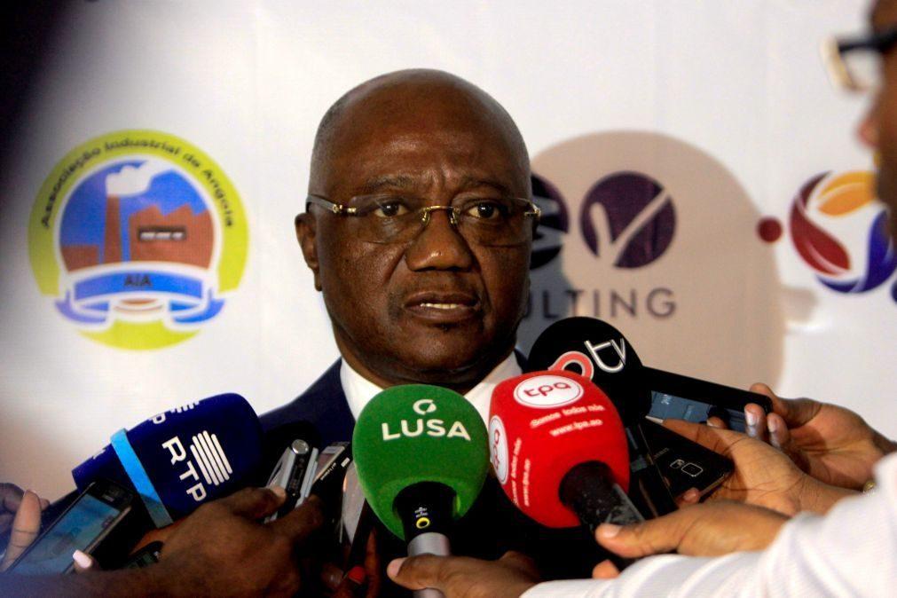 Sonangol recupera controlo do Banco Económico, novo presidente é ex-ministro da Economia
