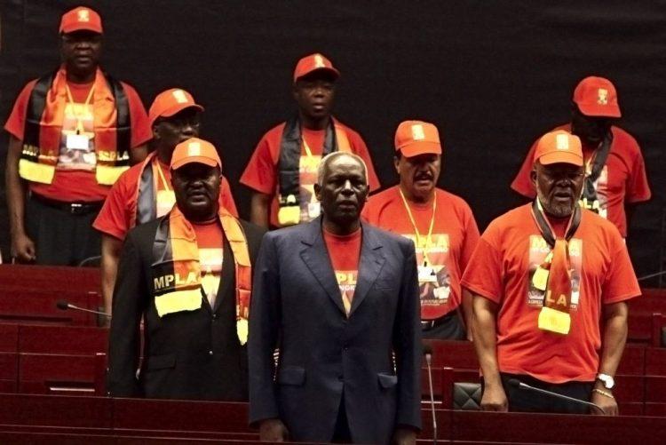 Comité Central do MPLA reúne-se hoje em Luanda com sucessão em pano de fundo
