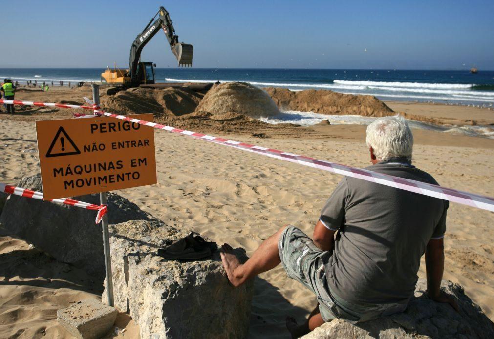 Reforço de areia nas praias da Costa de Caparica começa na terça-feira