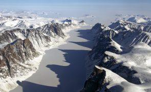 Ártico aquece a ritmo três vezes superior ao resto do planeta