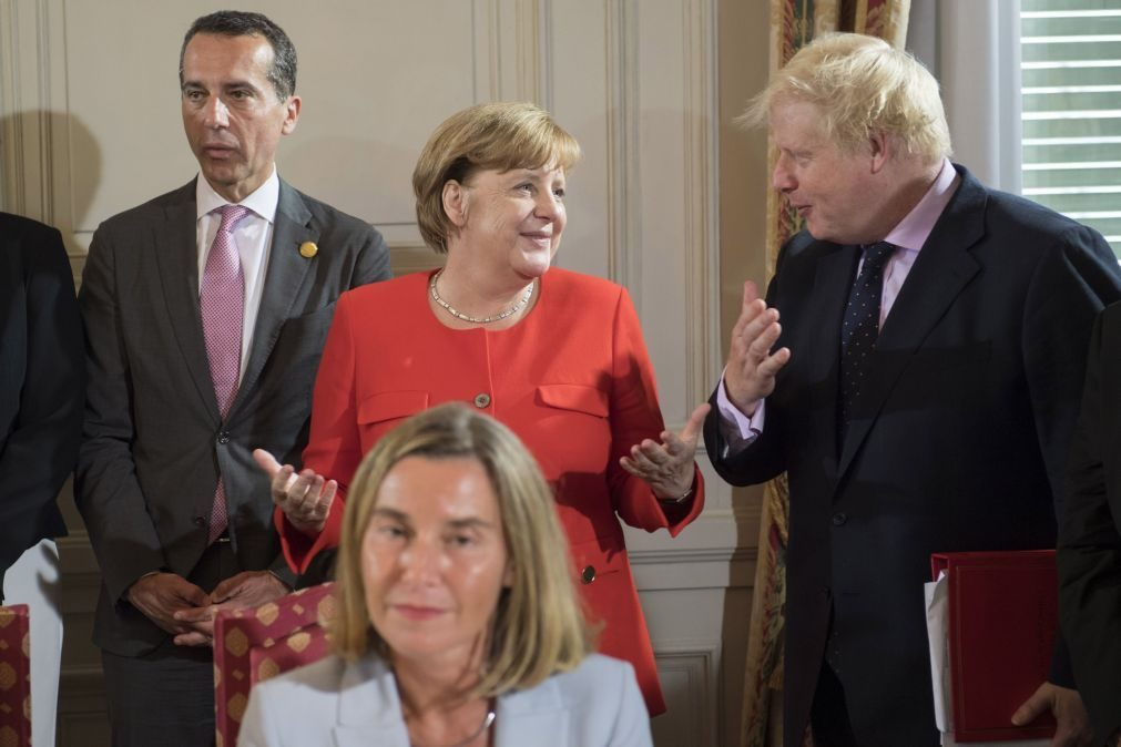 Brexit: Angela Merkel reúne-se com Boris Johnson na quarta-feira em Berlim