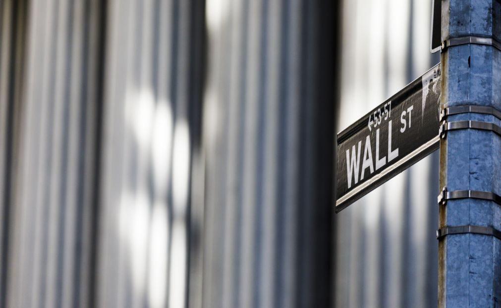 Wall Street segue no 'vermelho' com retaliação comercial da China