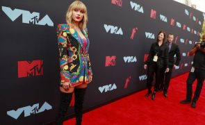 MTV Video Music Awards Taylor Swift leva para casa dois prémios