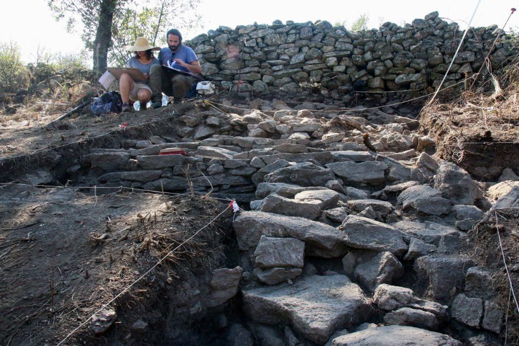 Escavações mostram fortificação ocupada entre séculos III e IX em Miranda do Douro