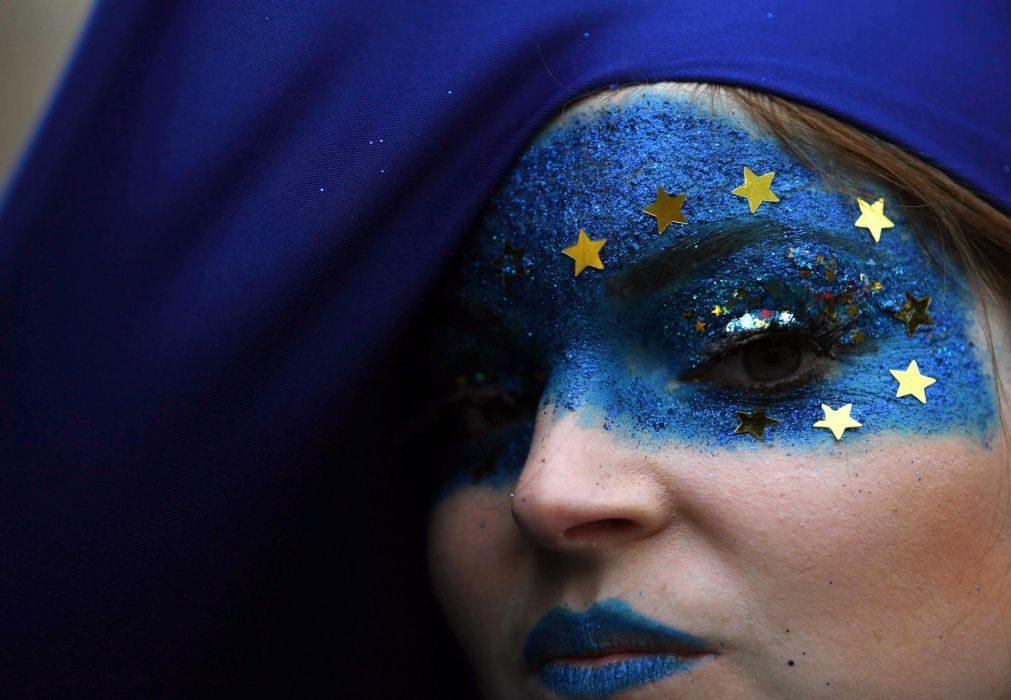 Emprego cresce no segundo trimestre na zona euro e na União Europeia
