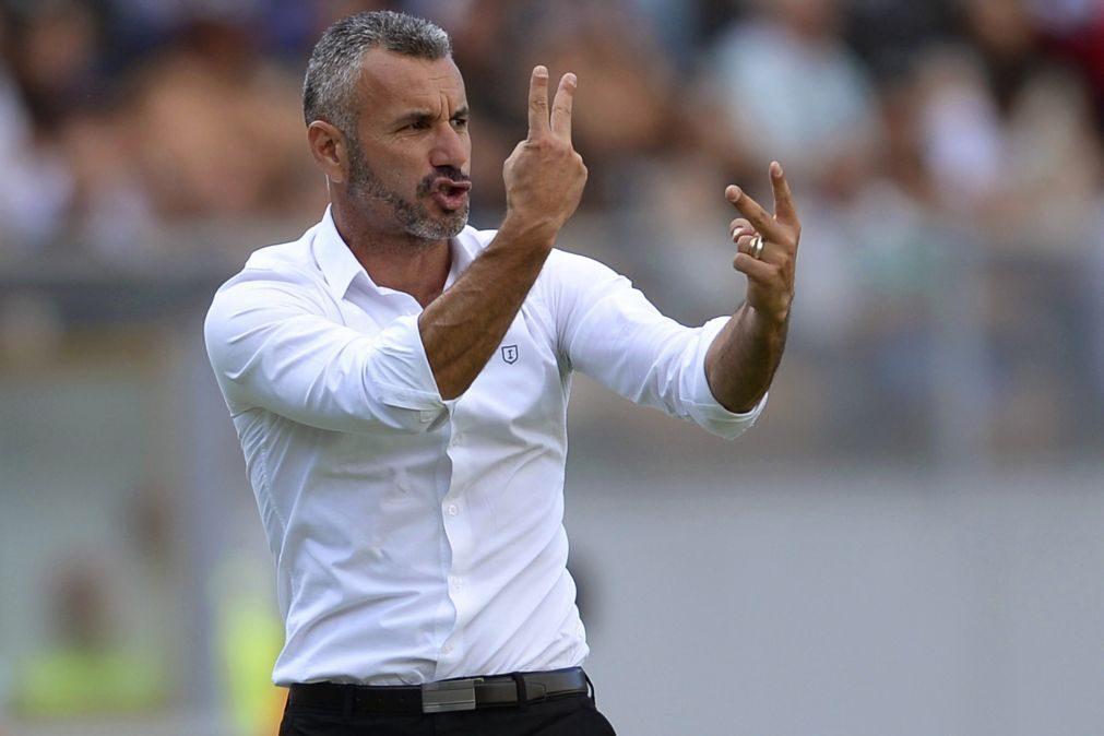 Treinador do Vitória de Guimarães desvaloriza 'baixas' e quer vencer Rio Ave