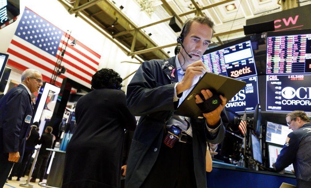 Bolsa de Nova Iorque fecha mista e consolida ganhos semanais
