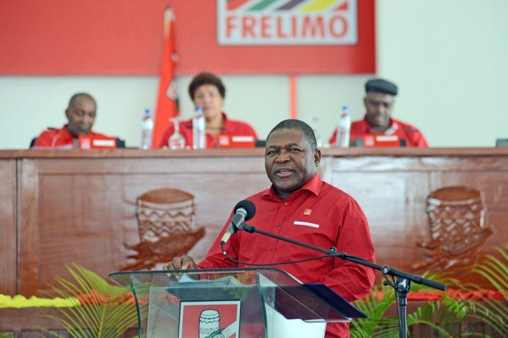 Moçambique/Eleições: Frelimo presta homenagem a mortos em comício