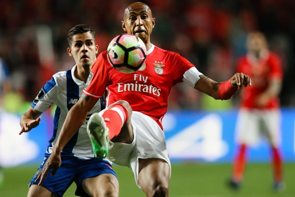 Benfica empata a 1 golo na Luz frente ao FC Porto e mantém liderança por 1 ponto