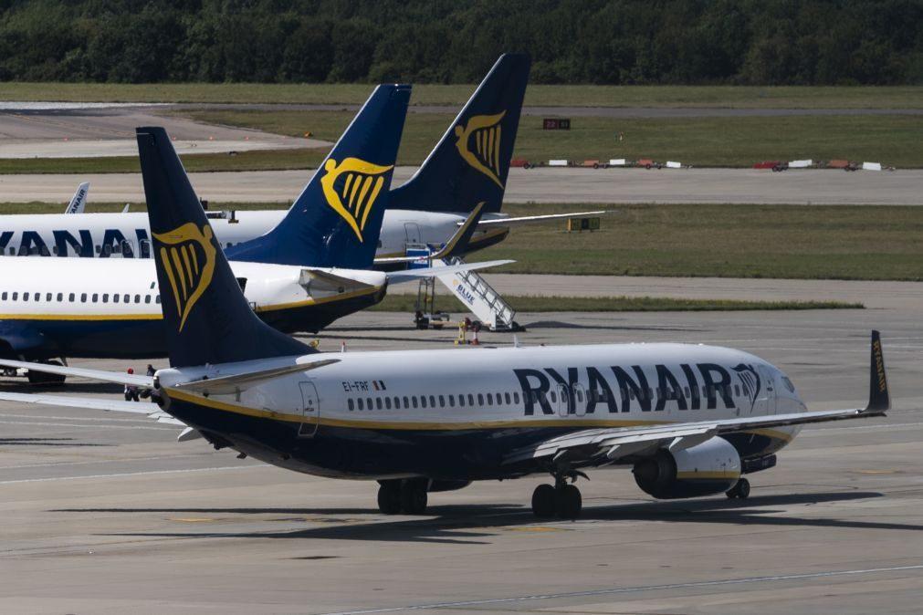 Ryanair aconselha pilotos a pedirem licença sem vencimento para evitar despedimentos