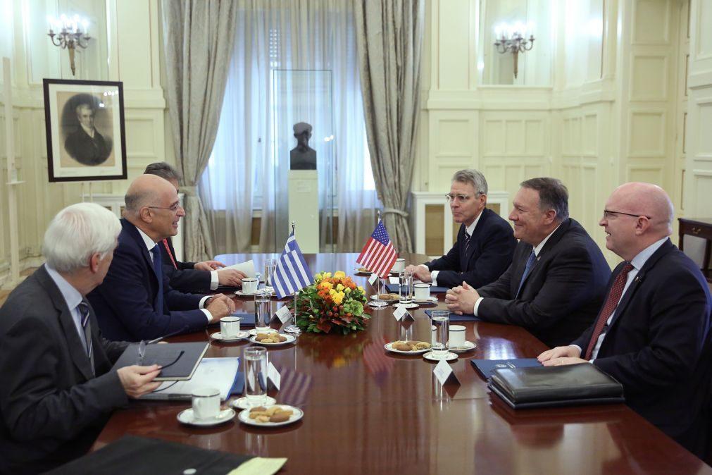 Chefe da diplomacia dos EUA recebido em Atenas com protestos