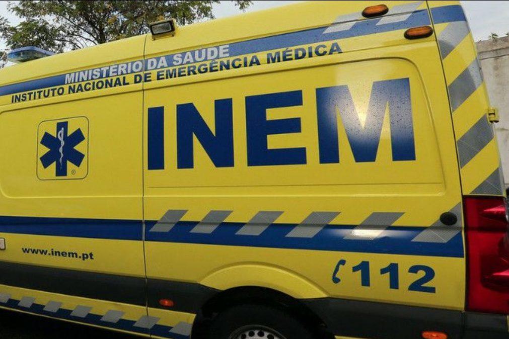 Ambulância atropela mortalmente casal que fazia caminhada