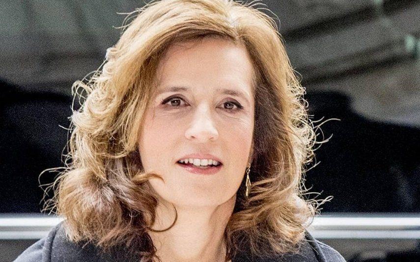 Princesa Esmeralda da Bélgica detida em manifestação