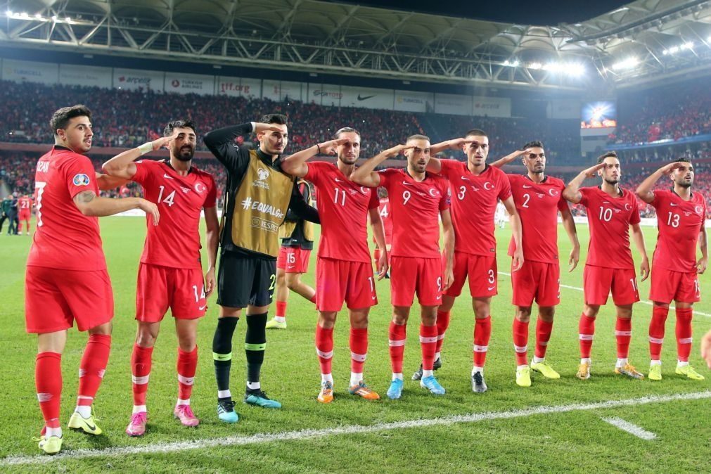 UEFA abre inquérito disciplinar por saudações militares dos jogadores turcos