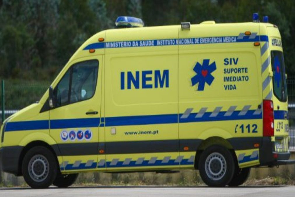 Dois mortos em despiste de automóvel no centro do Porto