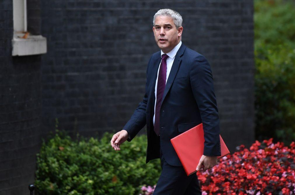 Brexit: Londres compromete-se a pedir adiamento se não houver acordo até sábado