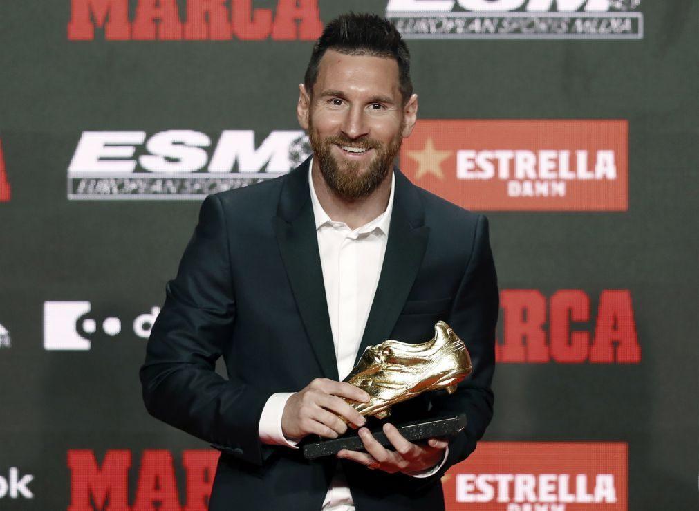 Messi recebeu sexta Bota de Ouro das mãos dos filhos mais velhos [vídeo]
