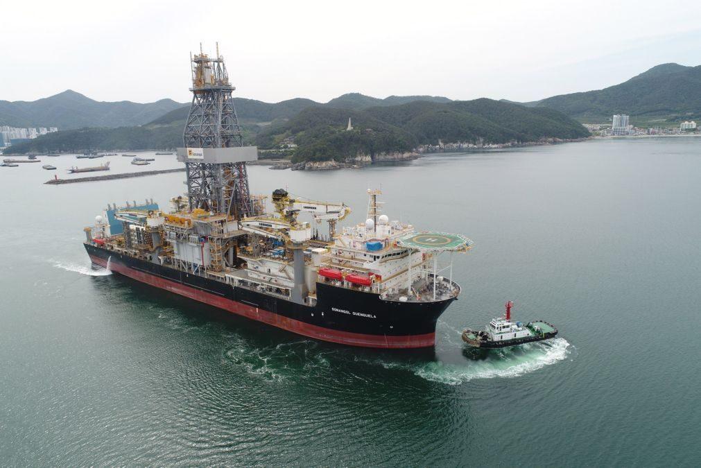Navio-sonda da Sonangol retido na Malásia