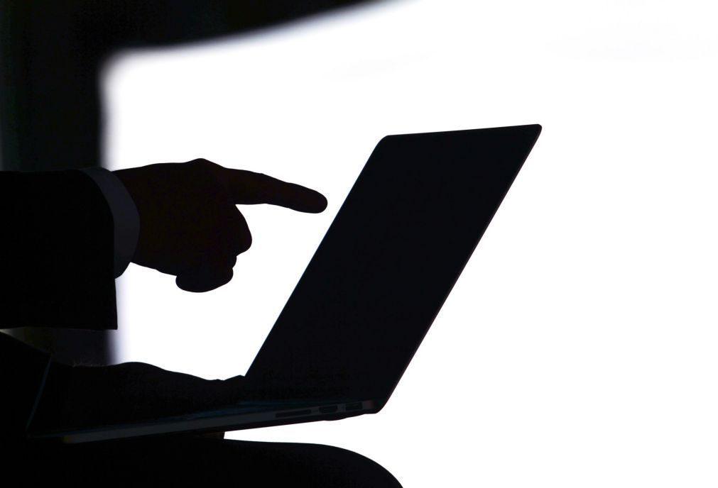 Desmantelada rede de pornografia infantil. Mais de 300 pessoas detidas