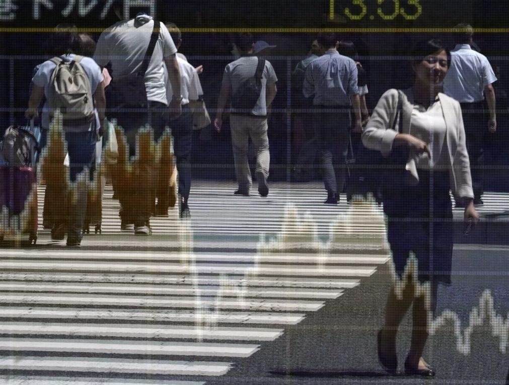 Bolsa de Tóquio abre com ligeira subida de 0,08%