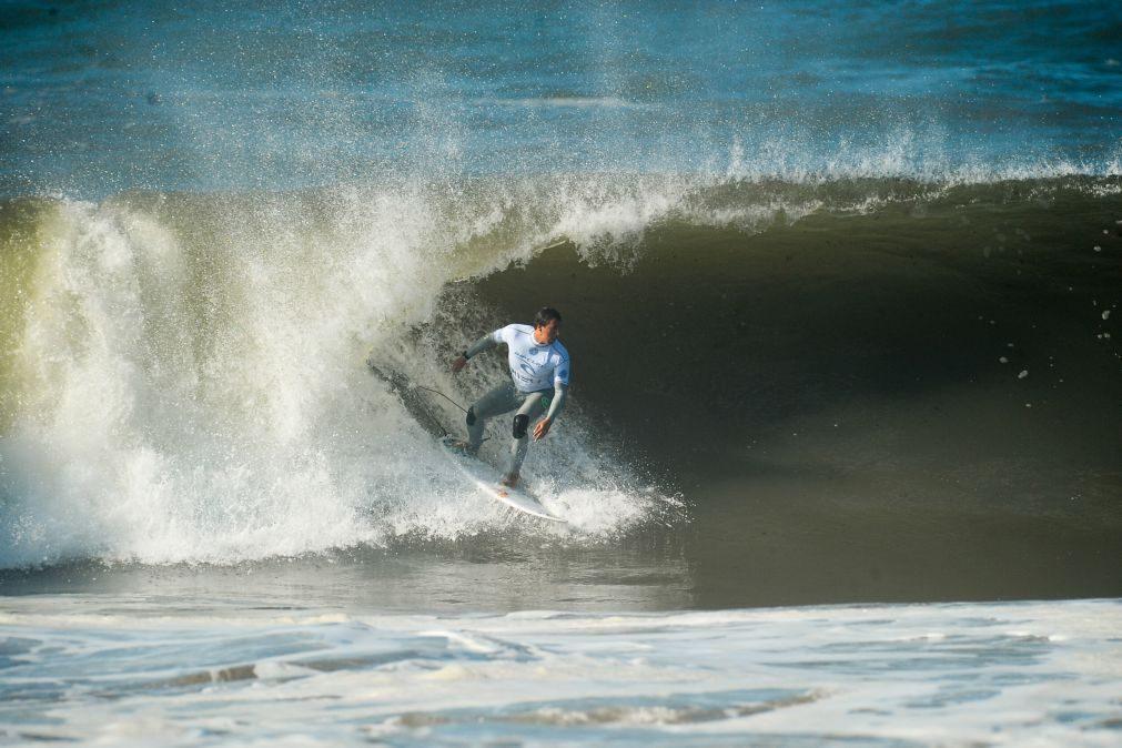 Surfista Vasco Ribeiro passa diretamente à terceira ronda em Peniche