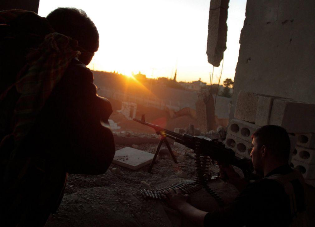 Síria: Curdos exigem