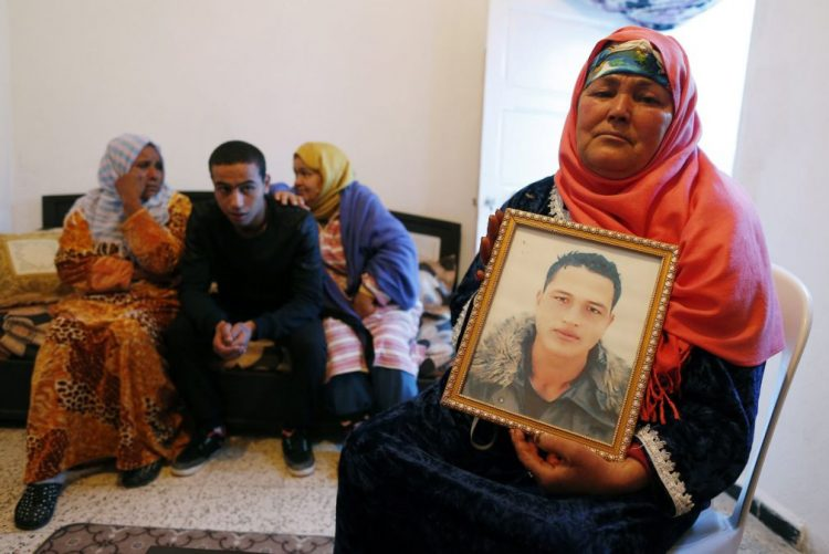 Berlim/Atentado: Suspeito morto em Milão