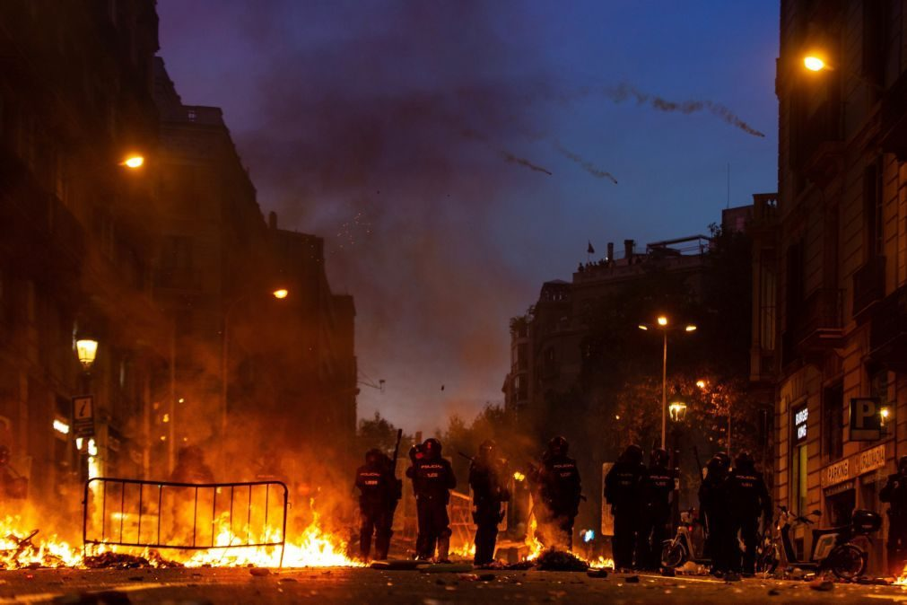 Detido fotojornalista do El País durante confrontos em Barcelona