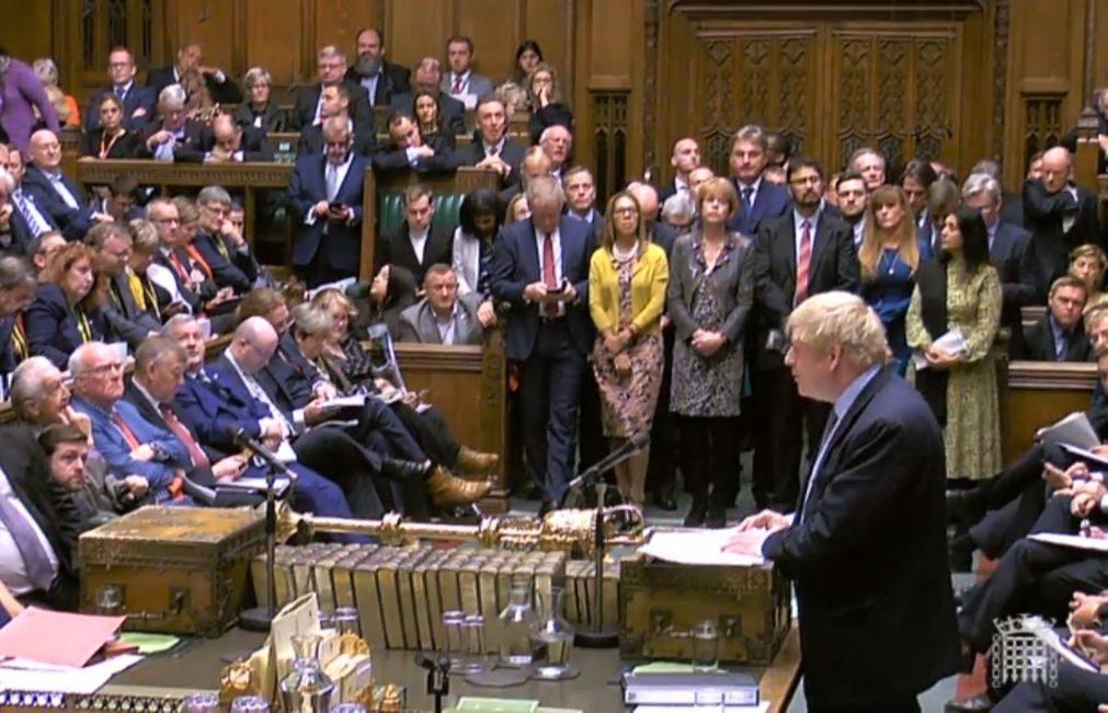 PM britânico diz a deputados que é