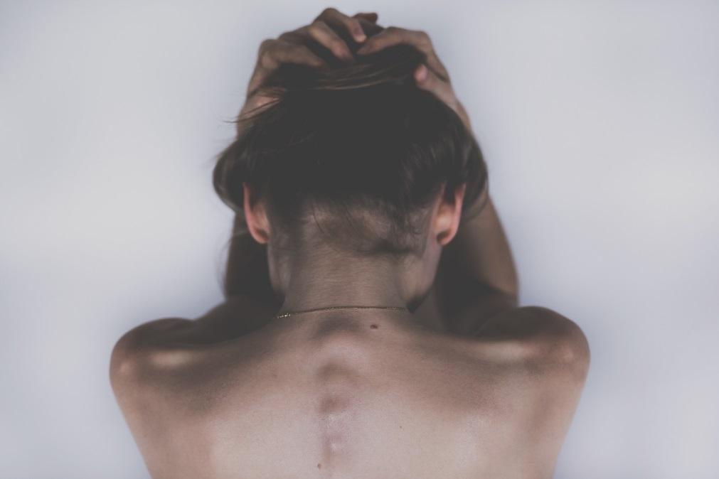 Fibromialgia: Aprender a viver com a doença que provoca dor 24 horas por dia