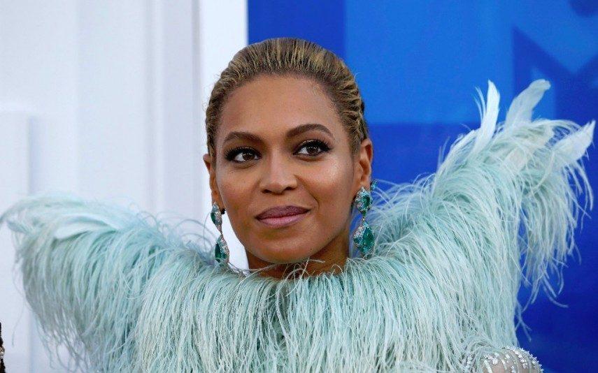Beyoncé Grávida de gémeos, Beyoncé revela imagens inéditas do casamento