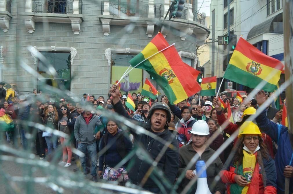 Dois ministros e presidente da assembleia demitem-se na Bolívia em plena crise