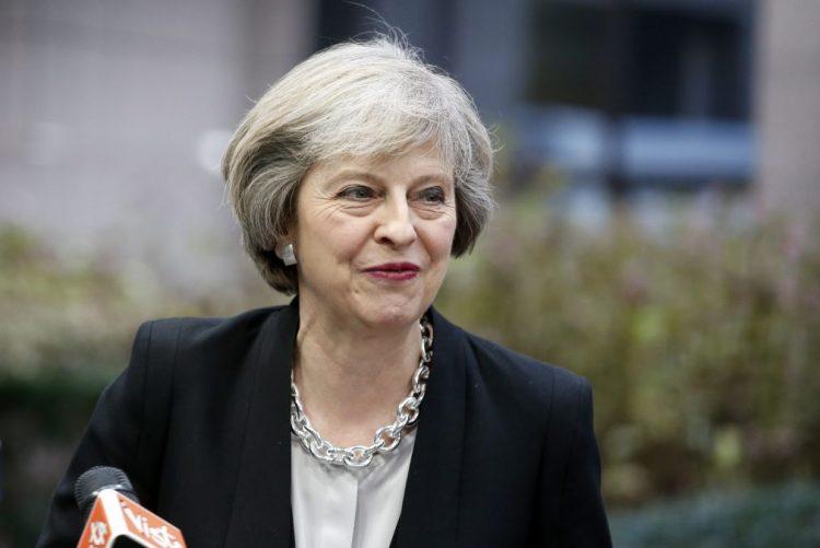PM britânica apela à unidade em 2017 após 'brexit'
