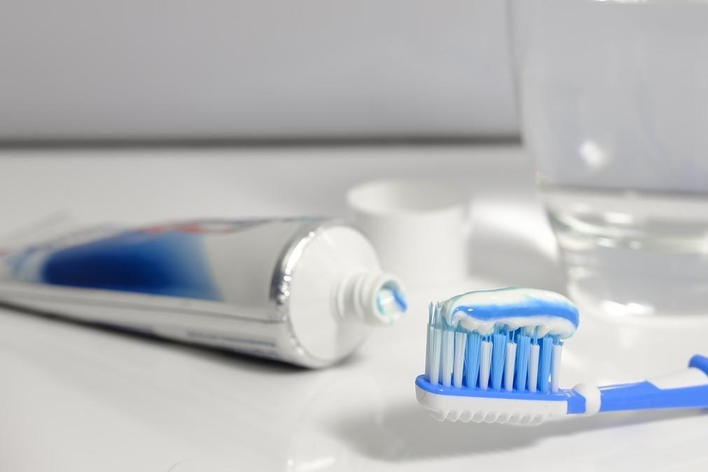 As pastas de dentes branqueadoras à venda em Portugal branqueiam?