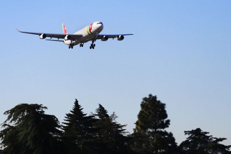Operação normalizada no aeroporto de Lisboa, nevoeiro obrigou dez aviões a divergir para Faro