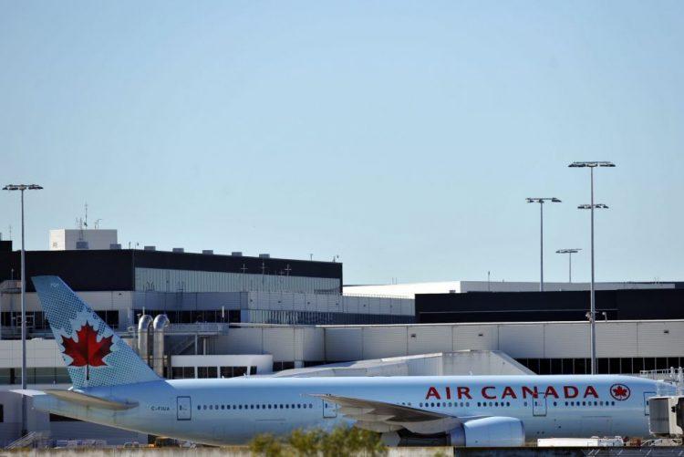 Menina de 10 anos morre a bordo de avião da Air Canada