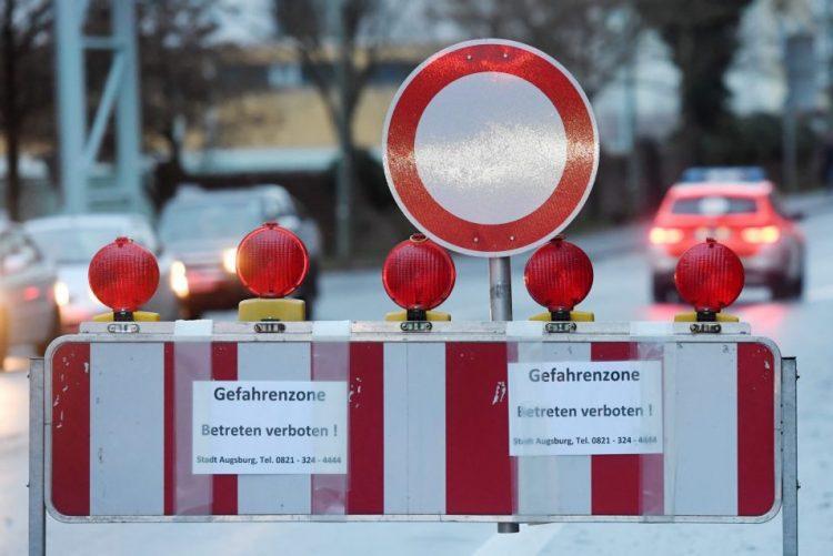 Desativação de bomba da II Guerra leva à retirada de 54.000 pessoas na Alemanha