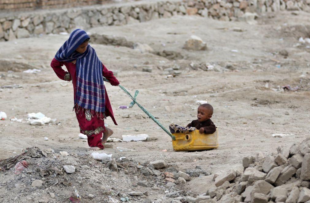 Crianças são quase metade dos deslocados internos no mundo -- relatório