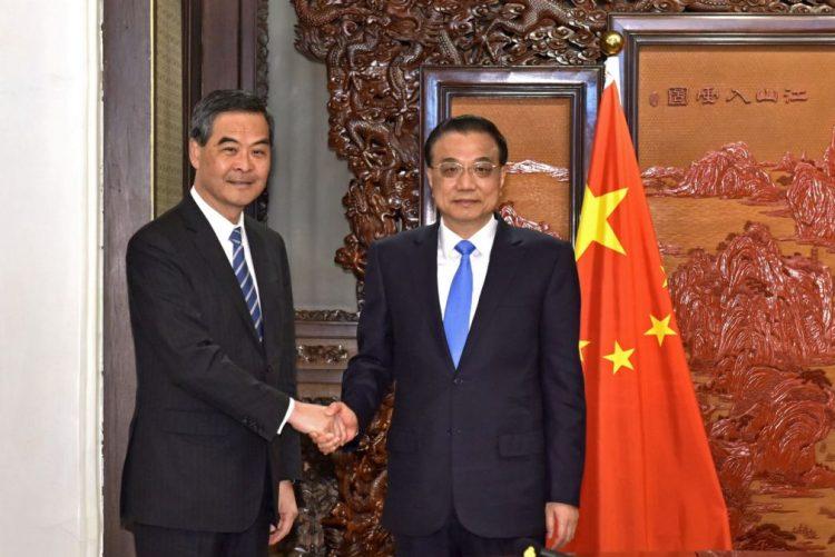Pequim vai obrigar deputados de Hong Kong à assembleia nacional a jurar fidelidade à China