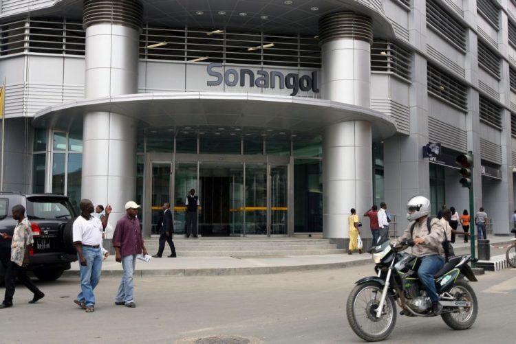 José Eduardo dos Santos diz que restruturação na Sonangol