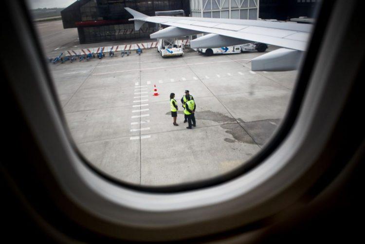 Greve nos aeroportos é hoje decidida após conversações com Governo