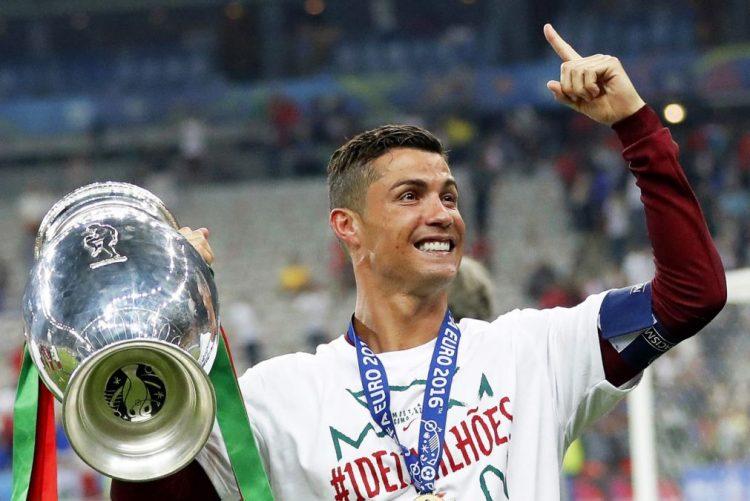 Cristiano Ronaldo foi o desportista europeu do ano para agências de notícias