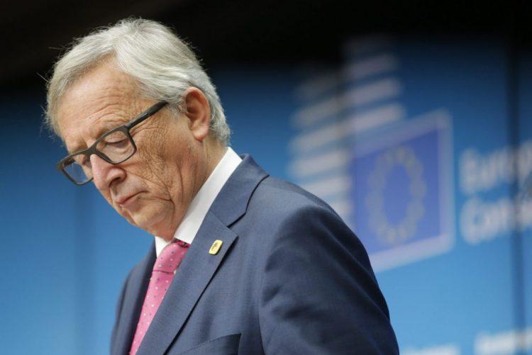 Juncker adverte Facebook e Google para combate de notícias falsas
