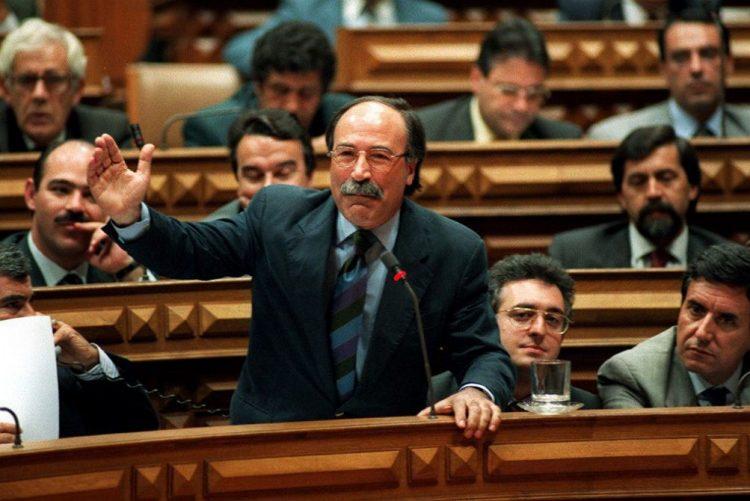 Morreu José Silva Marques, ex-líder parlamentar do PSD