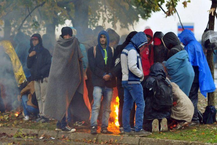 ONU denuncia aumento das deportações de migrantes nos Balcãs