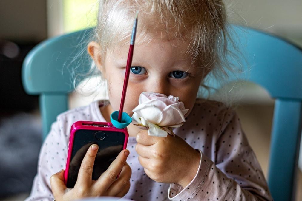 Computadores e telemóveis: 10 dicas para proteger os seus olhos
