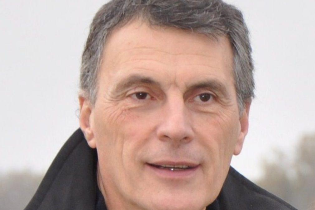 Médico cirurgião dos famosos entre as vítimas da queda de avioneta em Tires