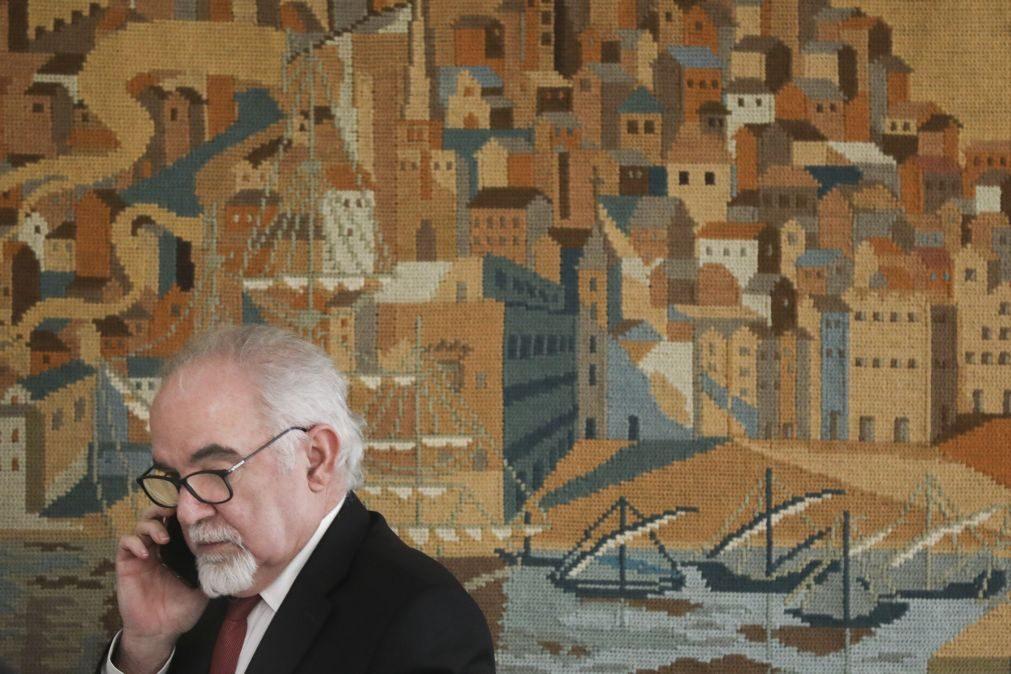 Vieira da Silva critica Passos Coelho