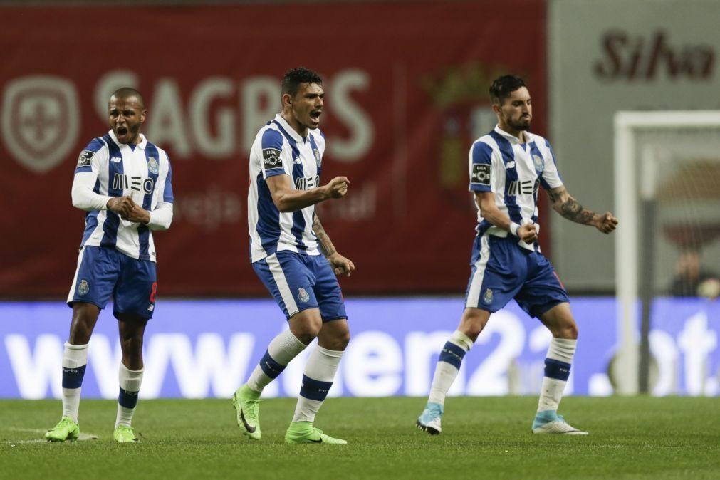 FC Porto prepara jogo com o Feirense com plantel a 100%