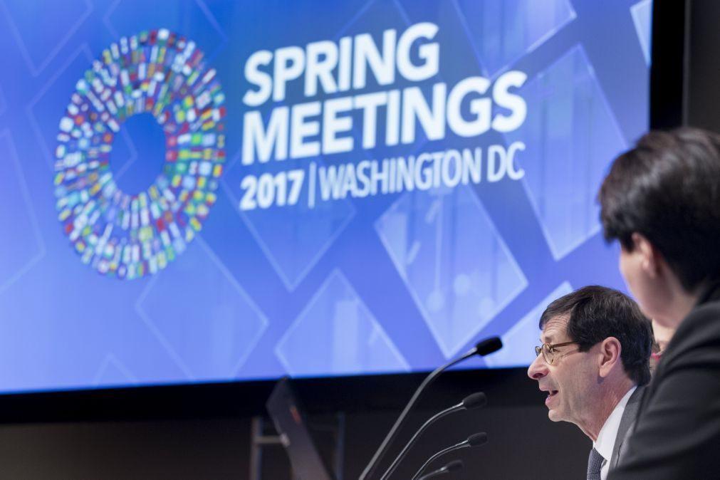 FMI melhora estimativas para Portugal mas continua a prever défices até 2022